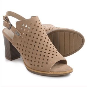 Chunky heel perforated open toe mule sandals 8.5